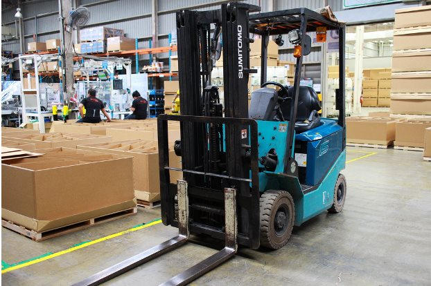5 types of handling equipment that will infinitely improve warehouse productivity
