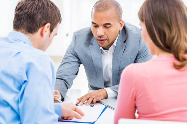 4 Tips For Finding The Right Financial Advisor In The Gold Coast