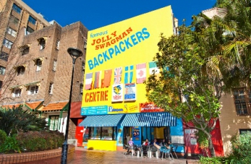 Things to do in Sydney and what is the Jolly Swagman Backpackers like?